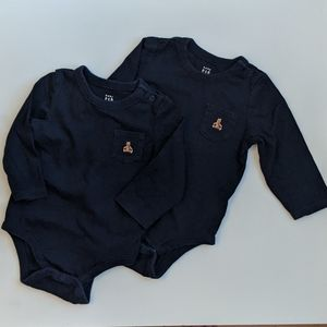 Gap 2x Navy Long Sleeves Bodysuits set 6-12M
